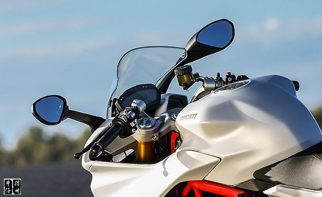 112018-ducati-supersport-mirror-recall-f-633x388.jpg